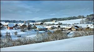 Attention, petit coup de froid avec cette vue de Ouhans. Village Doubien, il se situe en région ...