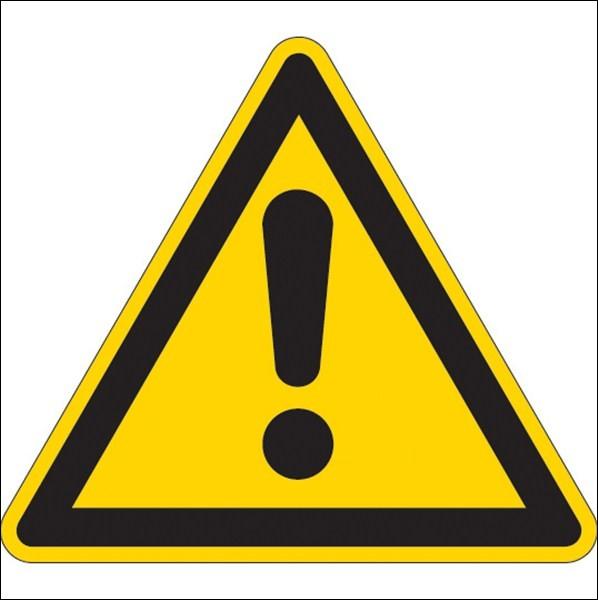 Installer juste au milieu de celui-ci, au niveau des portes arrières, ceci alerte les autres usagers de la route de possible danger. Il s'agit d'un...