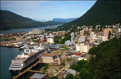 Quelle est la capitale de l'Alaska, le plus grand État des États-Unis ?