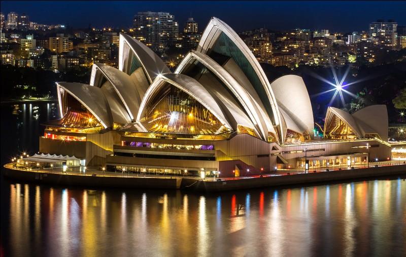 L'Opéra de Sydney a été conçu par Jørn Utzon, un architecte...