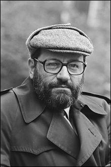 Quel roman d'Umberto Eco a pour personnages principaux Guillaume de Baskerville et Adso de Melk ?