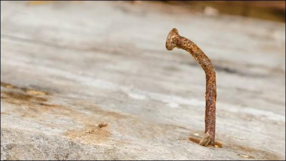 Grâce à quoi peut-on éviter d'attraper le tétanos ?
