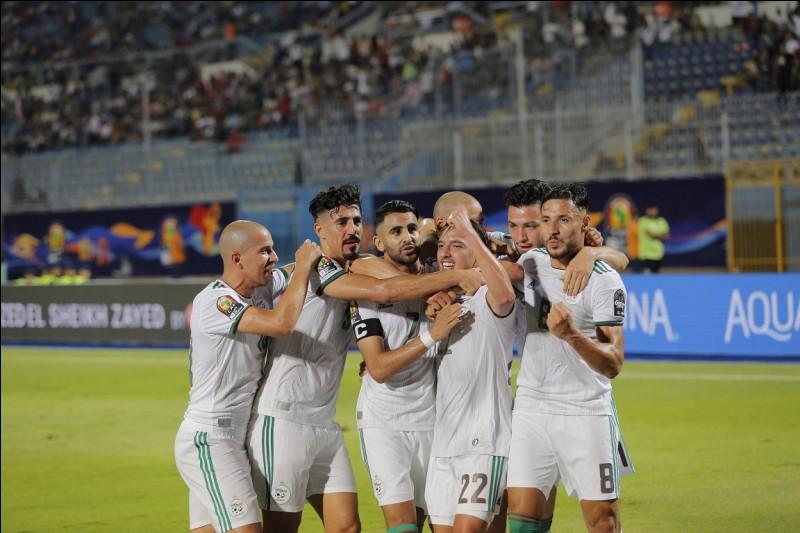Qui est le n°9 dans l'équipe algérienne ?