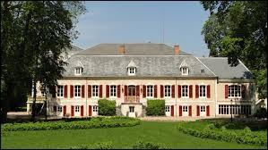 Je vous propose de partir en Auvergne-Rhône-Alpes à la découverte du château de la Boulaize de Montaigu-le-Blin. Nous serons dans le département ...