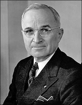 Années : 1945-1953Natif de : Missouri Parti : démocrate Fait : utilisation de la bombe atomique De qui s'agit-il ?