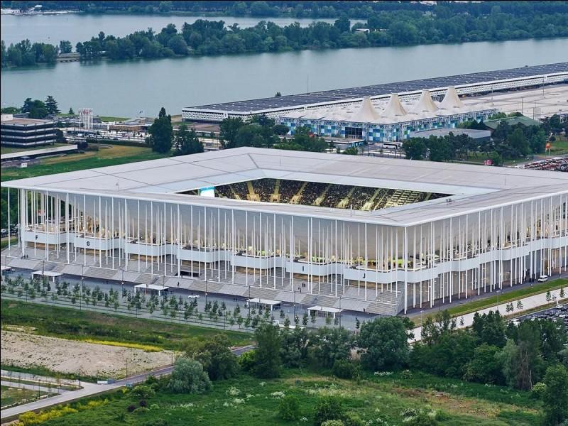 Quel est le nom du stade de Bordeaux ?