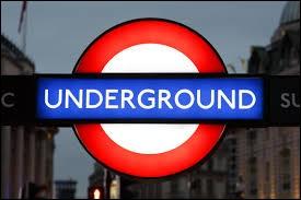 Coucou Petit Frère ! Voici le logo du métro de...