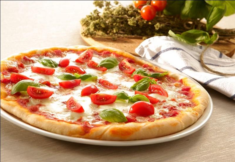 La pizza est une spécialité italienne.