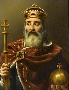 """Qui était surnommé """"L'Empereur à la barbe fleurie"""" ?"""