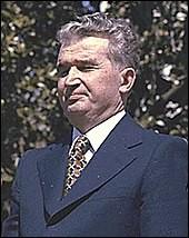 """Quel dictateur a été surnommé """"Le génie des Carpates"""" ?"""