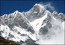 Pays : Népal et Chine Hauteur : 8 516 m Massif : Mahalangur HimalPremière ascension : 1956. Fritz Luchsinger et Ernst ReissQuel est ce sommet ?