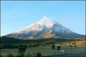 Pays : Mexique Hauteur : 5 426 mMassif : Cordillère néovolcaniquePremière ascension : 1289. Amérindiens tecuanipasQuel est ce sommet ?