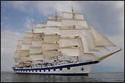 """Ce beau vaisseau, un cinq-mâts, a été lancé à Gdansk en l'an 2000 : il fait partie des Star Clippers qui avancent ''qu'il s'agit du plus grand véritable voilier jamais construit'' avec ses 138 m. De facto, c'est l'unique cinq mâts et le plus grand voilier """"traditionnel"""" naviguant présentement, la beauté en plus.Trouvez le nom que porte fièrement ce beau vaisseau :"""