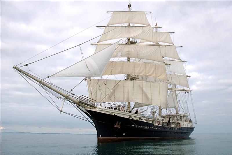 """Produit en l'an 2000 d'un chantier naval de Southampton, il porte bien son nom : c'est l'un des plus grand voiliers en bois naviguant. Il est en plus l'un des rares à être commandé par une femme, Barbara Campbell. Il a été conçu pour pouvoir accueillir des passagers handicapés.Quel est le nom de ce navire qui vient de participer à la """"Liberty Talls Ships Regatta"""" en juin 2019 sur Rouen ?"""
