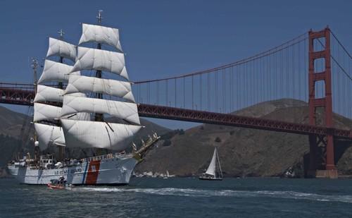 De beaux grands voiliers