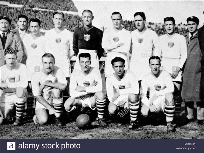 Y a-t-il eu treize participants à la première Coupe du Monde ?