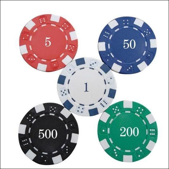 Pour quel célèbre jeu de cartes est-il nécessaire d'avoir des jetons ?