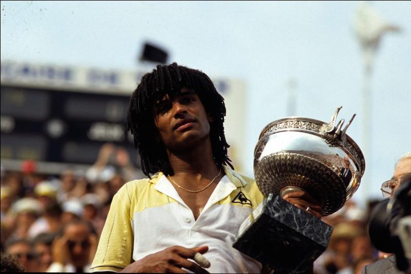 Yannick Noah a remporté le tournoi de tennis Roland-Garros en 1982.