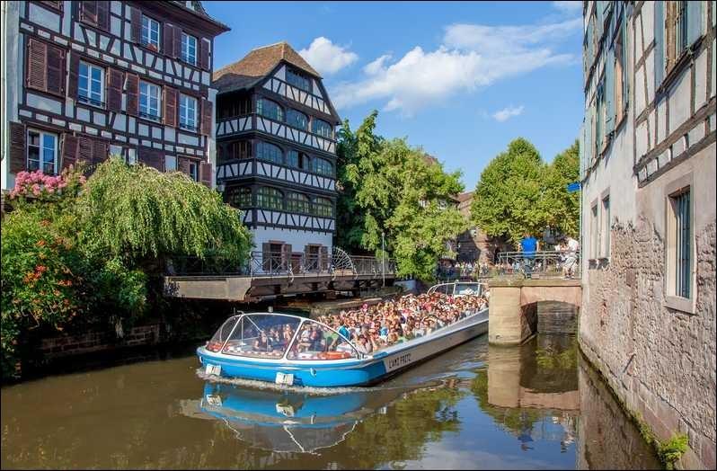 La ville de Strasbourg est la préfecture du département du Haut-Rhin (68).