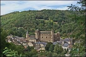 Notre première balade du week-en commence à Coupiac. Village Aveyronnais, il se situe dans l'ancienne région ...