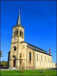 Vous avez sur cette image l'église Saint-Joseph de Frémestroff. Village du Grand-Est, il se situe dans le département ...