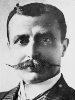 Qui est ce Louis, constructeur d'avions, de motocyclettes et pionnier de l'aviation ?