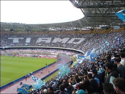 Dans quel stade le SSC Napoli dispute-t-il ses matchs à domicile ?