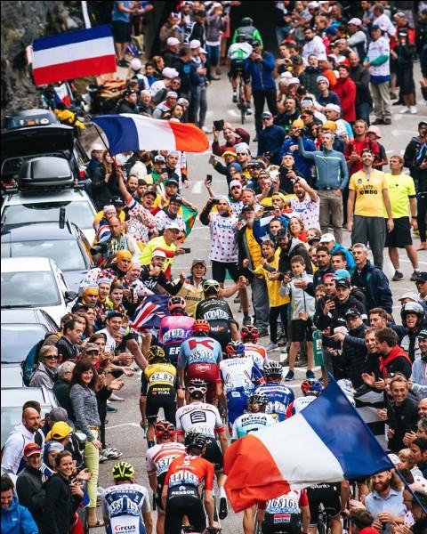 Julian Alaphilippe souffre sur cette 20e et dernière étape montagneuse et il perd beaucoup de temps. Lequel de ces favoris va profiter de sa défaillance pour monter sur le podium provisoire du Tour de France ?