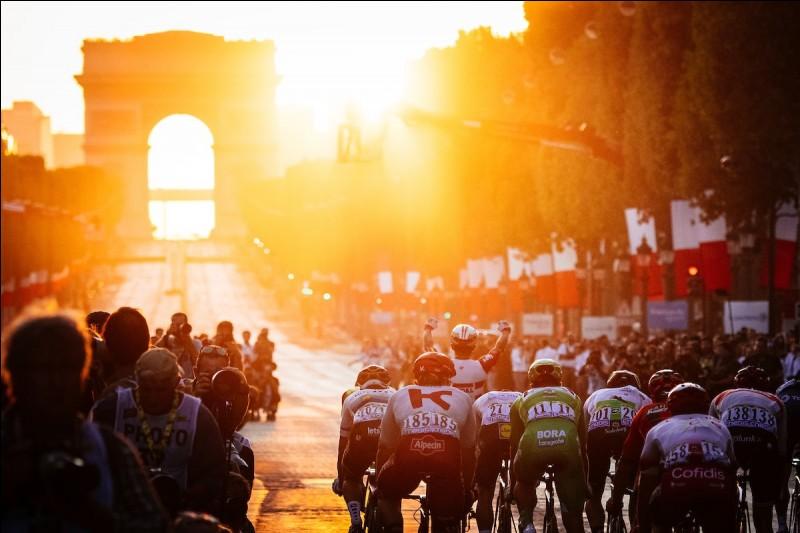 Quel coureur a remporté le plus d'étapes sur ce Tour de France ?