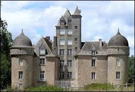 Notre balade dominicale commence dans le Quercy, devant le château d'Aynac. Nous sommes en Occitanie, dans le département ...