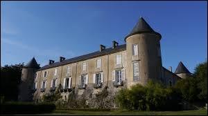 Je vous emmène à la découverte du château de Ville-au-Val. Commune de l'arrondissement de Nancy, elle se situe dans le département ...