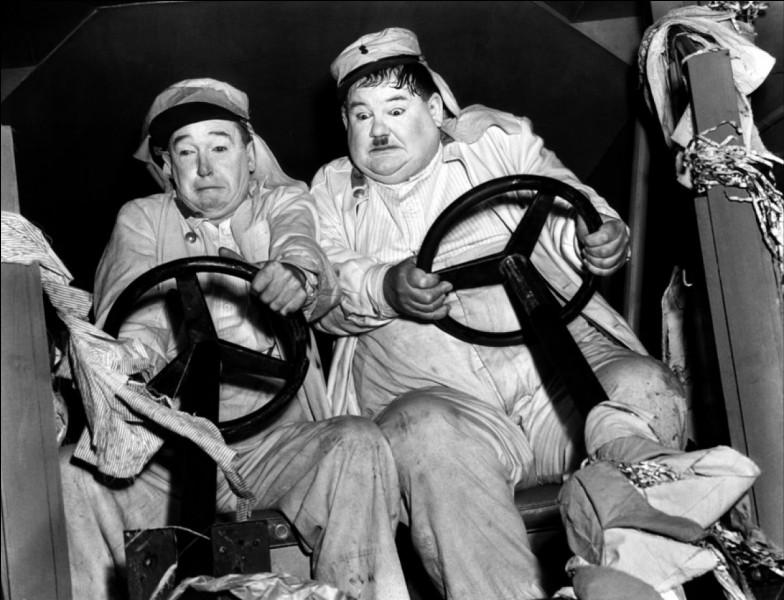 Quel est ce binôme comique constitué en 1927 et qui reste le plus célèbre de l'histoire du cinéma ?