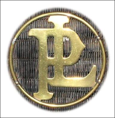 Quel est ce binôme fondateur en 1886 d'une marque automobile française ?