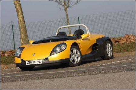 Apparemment, faire un joli roadster également semble au-dessus des capacités des designers de chez Renault à voir cette...