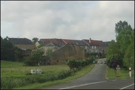 Ancienne commune de l'arrondissement de Sedan, dans le Grand-Est, Mairy se trouve dans le département ...