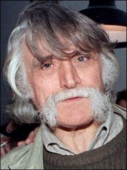 Qui est ce François, journaliste, écrivain et dessinateur humoristique ?