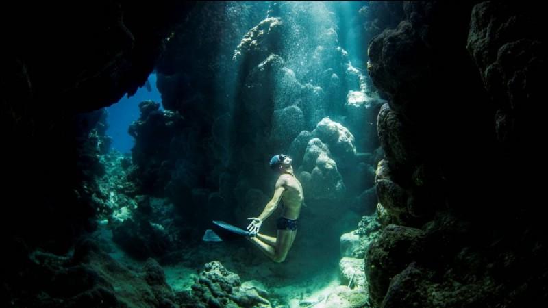 Plus grande réserve maritime d'Europe, Cabo de Gata est un terrain de jeu extraordinaire pour l'apnée. Dans quel pays se trouve ce paradis ?