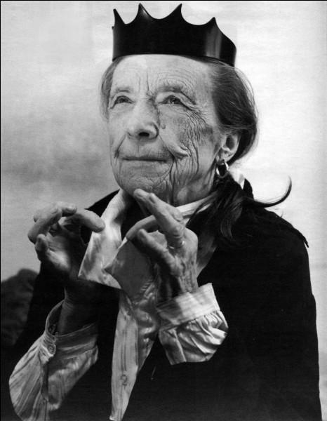 Qui est cette Louise, sculptrice et plasticienne française naturalisée américaine qui est célèbre pour ses oeuvres monumentales ?