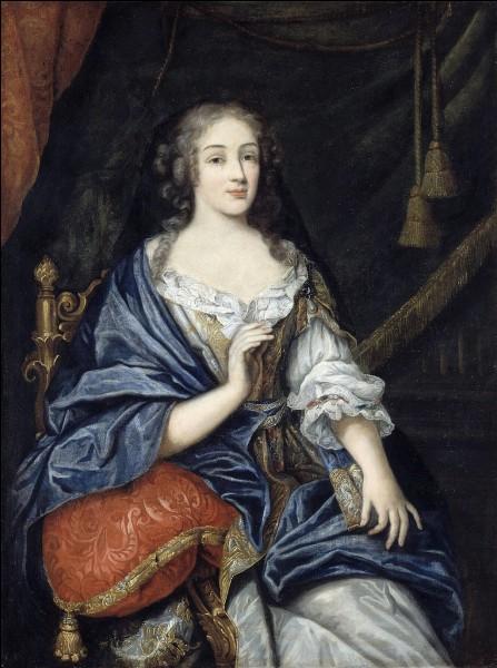 Qui est cette Louise, duchesse, maîtresse officielle du roi Louis XIV qui devient carmélite sous le nom de Louise de la Miséricorde ?