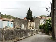 Petit village d'Occitanie de 69 habitants, Courtauly se situe dans le département ...