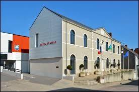 Ville des Pays-de-la-Loire, dans l'arrondissement de Nantes, Legé se situe dans le département ...