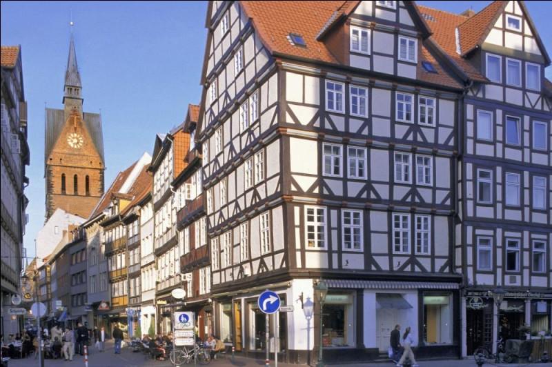 La ville d'Hanovre se situe en Allemagne.