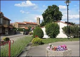 Village de l'ancienne région Rhône-Alpes, Ardoix se situe dans le département ...