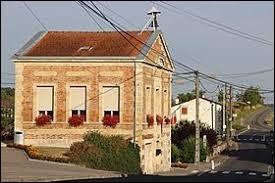 Commune du Grand-Est, dans l'arrondissement de Bar-le-Duc, Silmont se situe dans le département ...