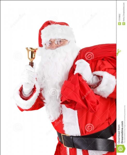 Avant d'être vêtu de rouge, de quelle couleur était le Père Noël ?