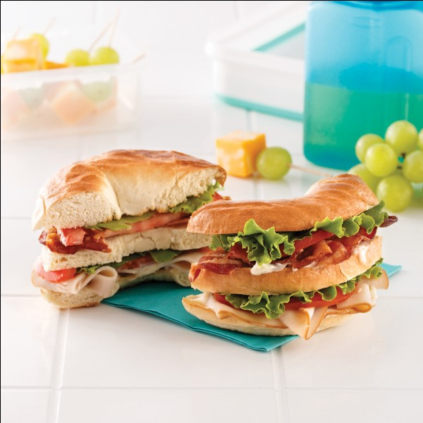"Complétez la phrase : ""I am hungry, shall we … a sandwich."" ?"