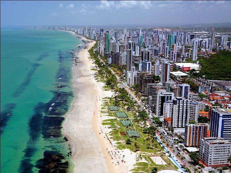 Recife est une ville située en Argentine.