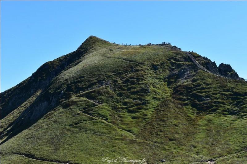 Quel est le plus haut volcan d'Auvergne ?