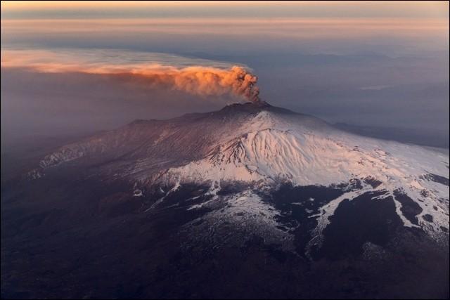 Dans quel pays se trouve l'Etna ?