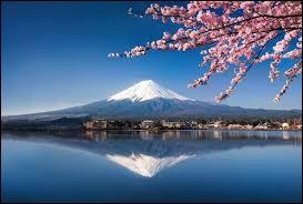 Le mont Fuji se trouve...